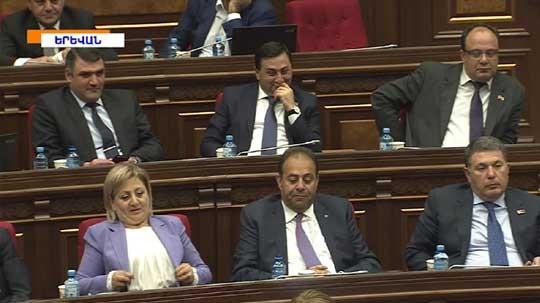 Նախագահ Արմեն Սարգսյանի հրամանագրով Սերժ Սարգսյանը նշանակվել է  Հայաստանի վարչապետ